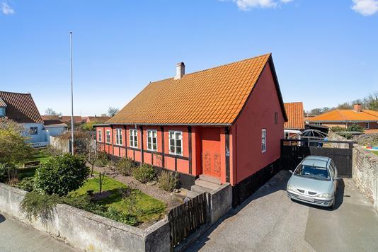 Villa på Damgade i Nexø - Set fra vejen