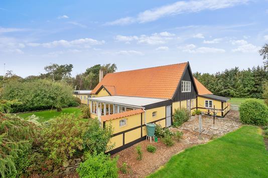 Villa på Søndre Landevej i Aakirkeby - Set fra haven