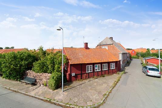 Villa på Hans Hermans Gænge i Nexø - Set fra vejen