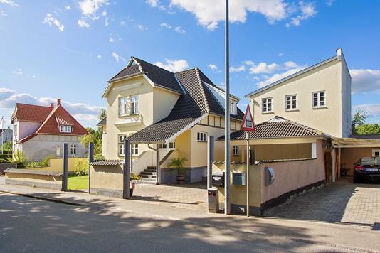 Villa på Jernbanevej i Tølløse - Ejendommen