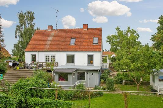 Villa på Roskildevej i Holbæk - Set fra haven