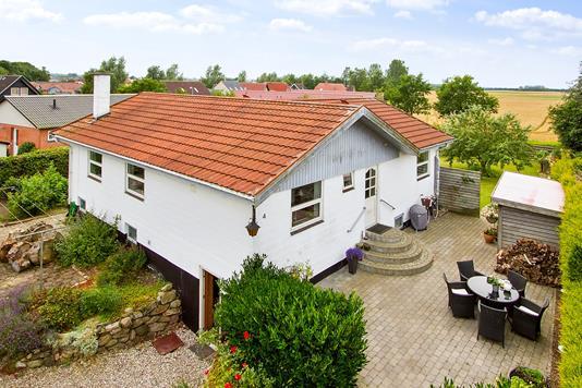 Villa på Bøgevej i Ugerløse - Set fra haven