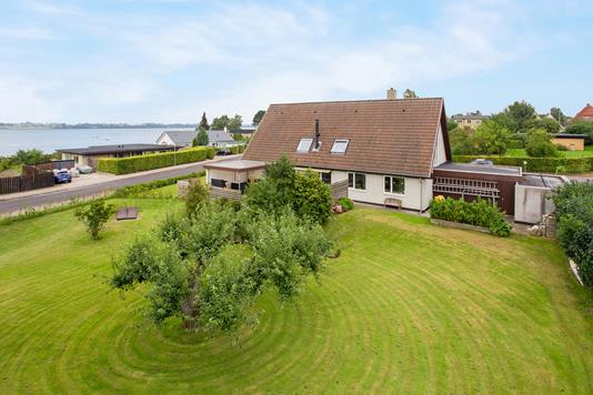 Villa på Kærsangervej i Holbæk - Ejendommen
