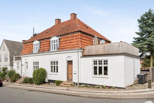 Villa på Chr Hansensvej i Holbæk - Ejendommen