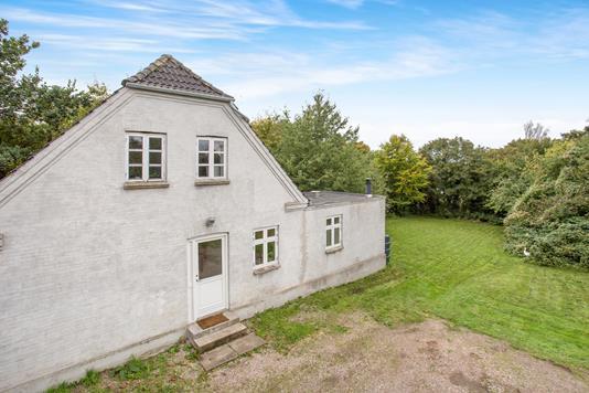 Villa på Eskebjergvej i Føllenslev - Ejendommen