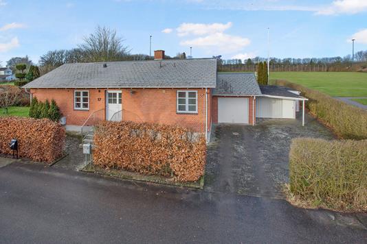 Villa på Damvej i Holbæk - Ejendommen