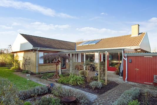Villa på Møllervænget i Vipperød - Set fra haven