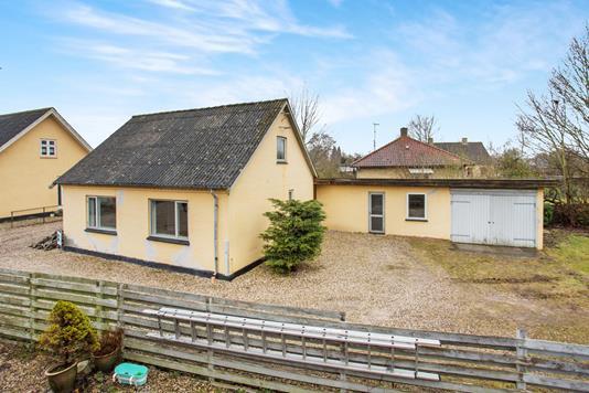 Villa på Strædet i Ugerløse - Ejendommen