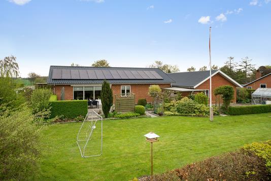Villa på Ellegårdsvej i Ugerløse - Ejendommen