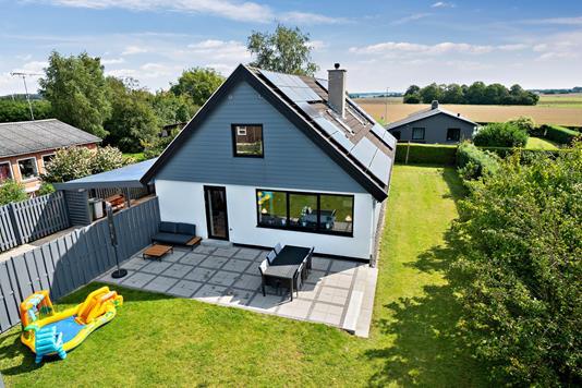 Villa på Hjortevej i Holbæk - Set fra haven