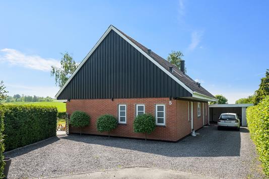 Villa på Gartnervænget i Regstrup - Ejendommen