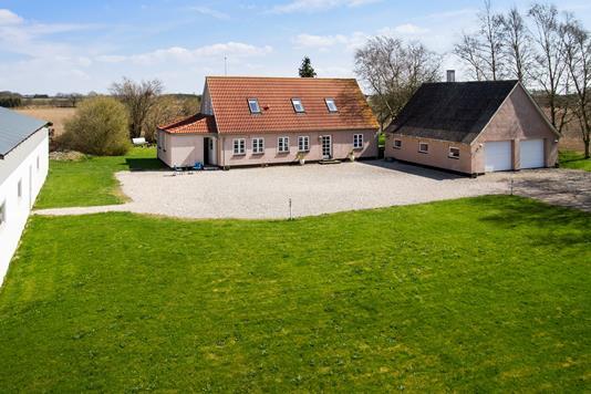Villa på Øgårdsvej i Ugerløse - Ejendommen