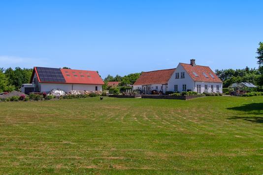 Landejendom på Butterupvej i Regstrup - Have