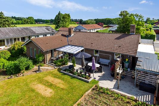 Villa på Hyrdevænget i Vipperød - Set fra haven