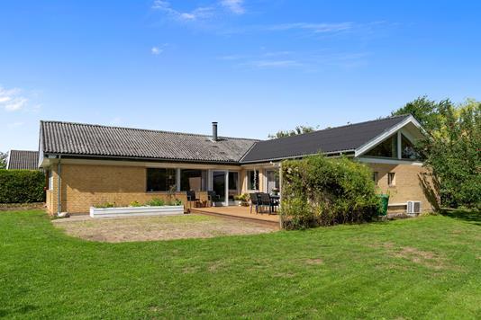 Villa på Skovlyvej i Vipperød - Set fra haven