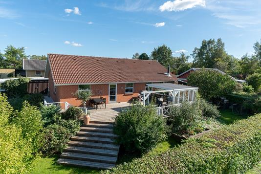 Villa på Søskrænten i Tølløse - Set fra haven