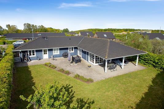 Villa på Stenhusparken i Holbæk - Set fra haven