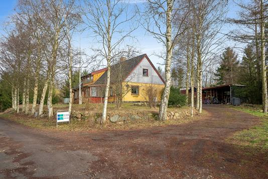 Villa på Frihedshåbsvej i Tølløse - Set fra vejen