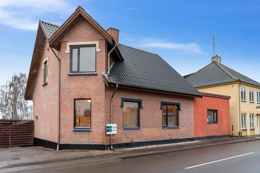 Villa på Borgergade i Kirke Eskilstrup - Set fra vejen
