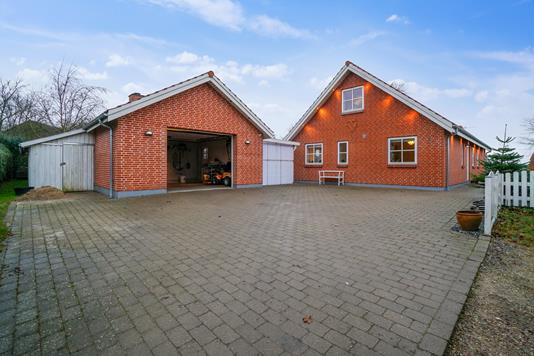 Villa på Tornbrinken i Jyderup - Set fra vejen