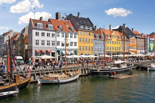 Ejerlejlighed på Nyhavn i København K - Ejendommen