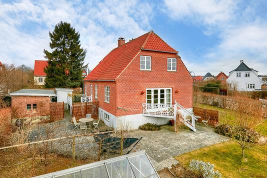 Villa på Toftekærsvej i Gentofte - Ejendommen