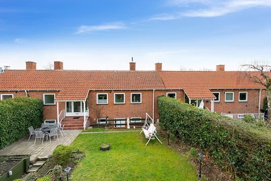 Villa på Sløjfen i Gentofte - Set fra haven