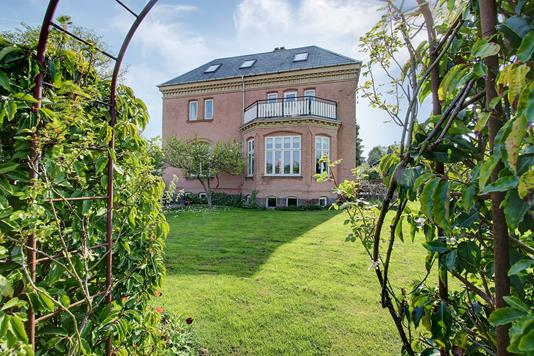 Villa på Trongårdsvej i Kongens Lyngby - Ejendommen