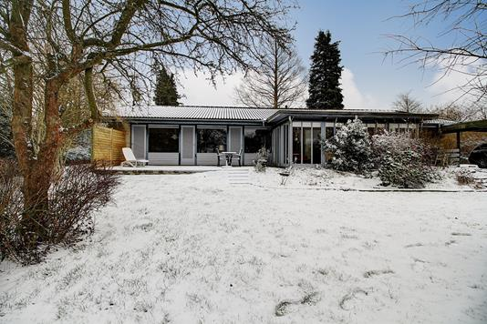 Villa på Båstrupvej i Fredensborg - Ejendommen