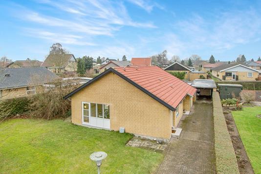 Villa på Solsortvænget i Odense NV - Ejendommen