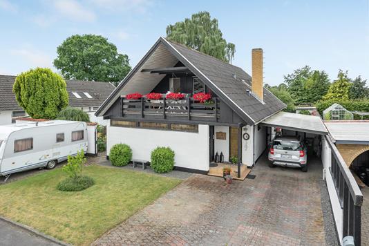 Villa på Anemonevænget i Odense V - Ejendommen