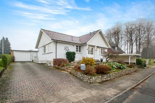 Villa på Lærkevangen i Odense NV - Ejendommen