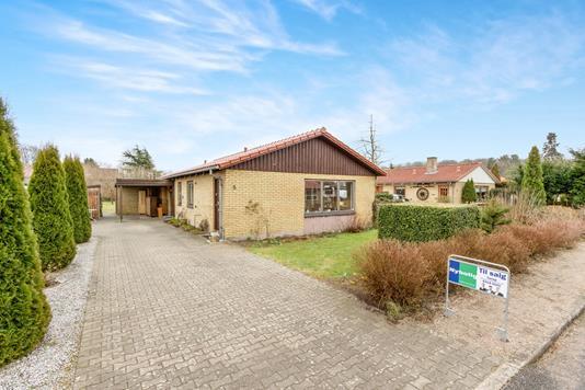 Villa på Kirsebærlunden i Odense NV - Ejendommen