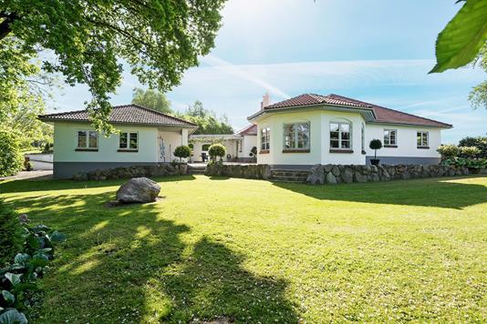 Villa på Rugårdsvej i Veflinge - Ejendommen