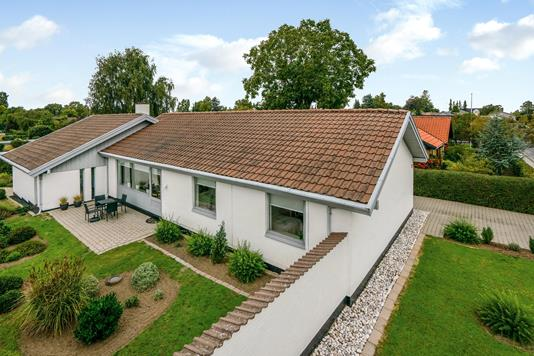 Villa på Stellavej i Odense NV - Ejendommen