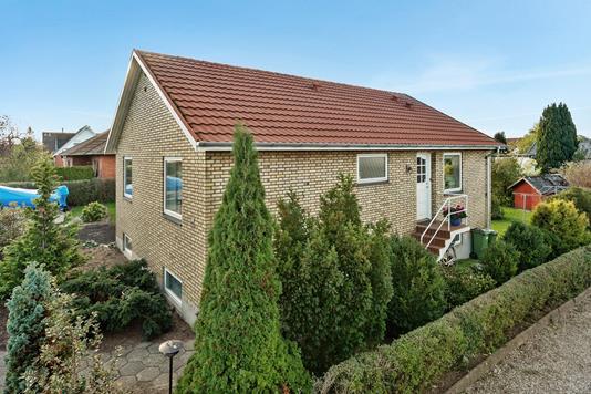 Villa på Præstevej i Odense NV - Ejendommen