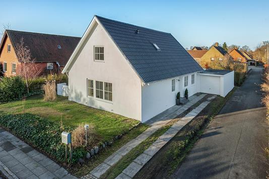 Villa på Sophus Bauditz Vej i Odense NV - Ejendommen