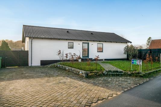 Villa på Pederstrupvej i Odense NV - Ejendommen