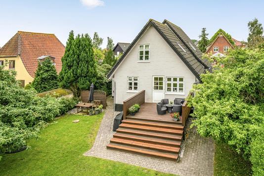 Villa på Østrupvej i Odense NV - Ejendommen