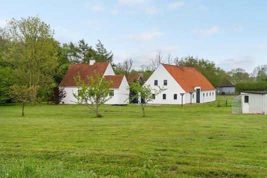 Landejendom på Trøstrupvej i Odense NV - Ejendommen