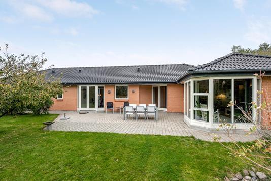 Villa på Ellekratvej i Odense V - Ejendommen
