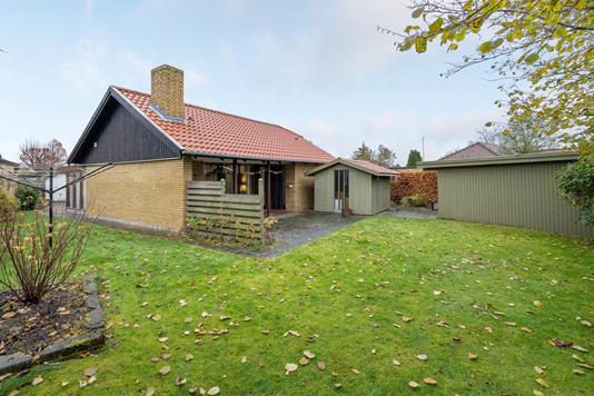 Villa på Tarupvej i Odense NV - Ejendommen