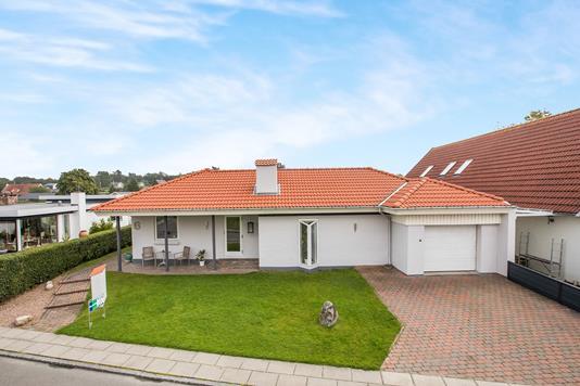 Villa på Ekkovænget i Odense N - Ejendommen