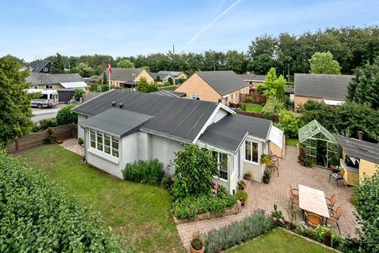 Villa på Enggårdsvej i Odense N - Ejendommen