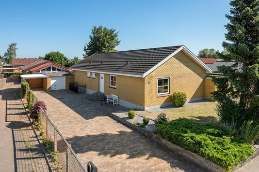 Villa på Elmevej i Otterup - Ejendommen