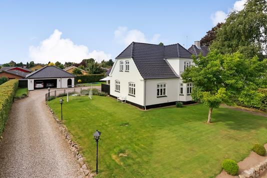 Villa på Søndervej i Broby - Ejendommen