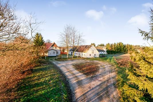 Landejendom på Langstedvej i Tommerup - Ejendommen