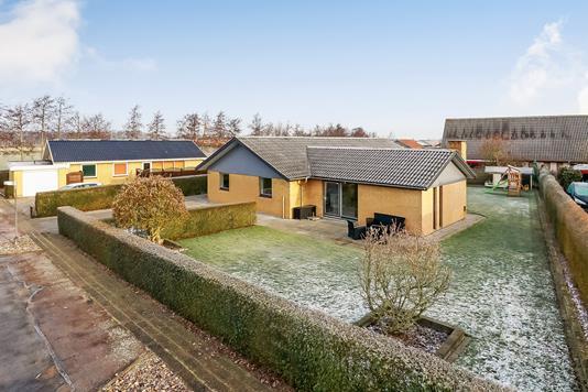 Villa på Krogsgårdsvej i Broby - Ejendommen
