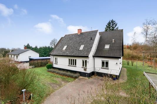 Villa på Tommerupvej i Vissenbjerg - Ejendommen