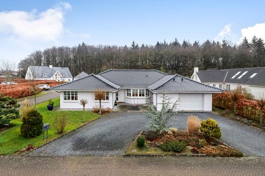 Villa på Skovvænget i Glamsbjerg - Ejendommen